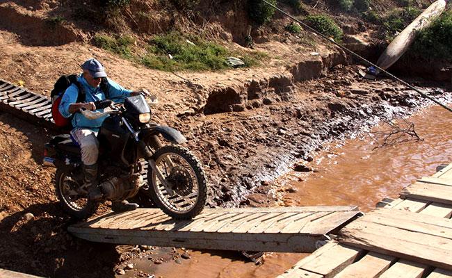 Votre moto enduro lors de votre voyage avec Planet Ride