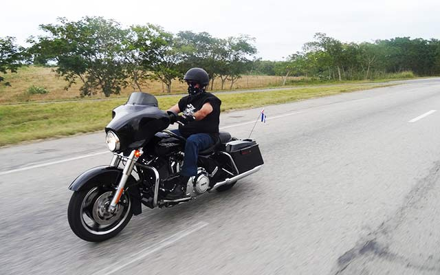 voyage moto à Cuba avec Planet Ride