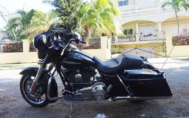 Votre Harley au repos lors de votre voyage à Cuba avec Planet Ride