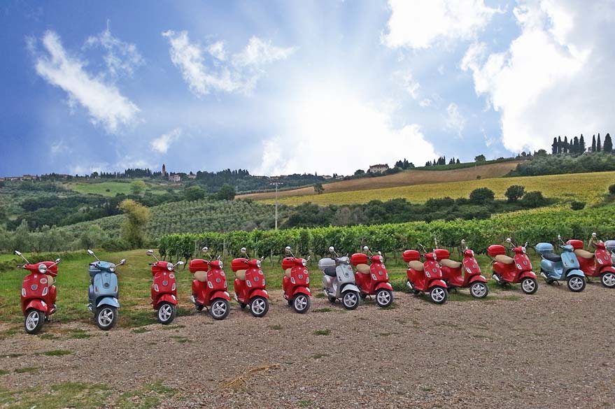 The Vespas of Roberta, partner specialist Planet Ride Travel in Italy