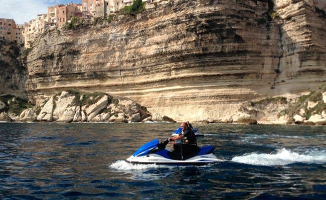 Votre Jet ski lors de votre voyage avec Planet Ride en corse