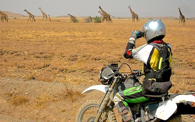 La savane lors de votre voyage en Tanzanie à moto avec Planet Ride