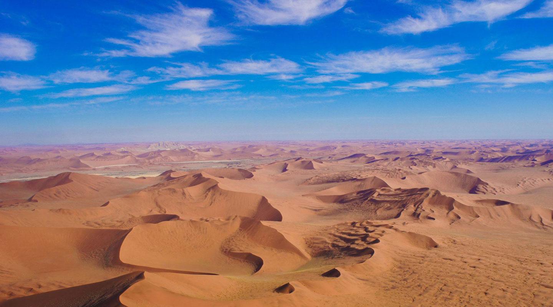 Paysages insolites à rider en Afrique avec Planet Ride