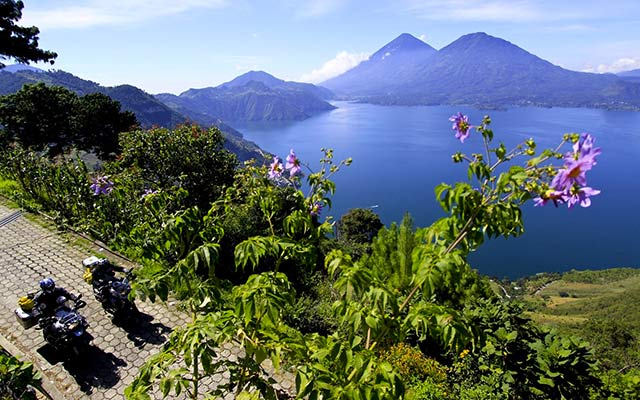 Travel in Guatemala with motorbike with a local travel agency