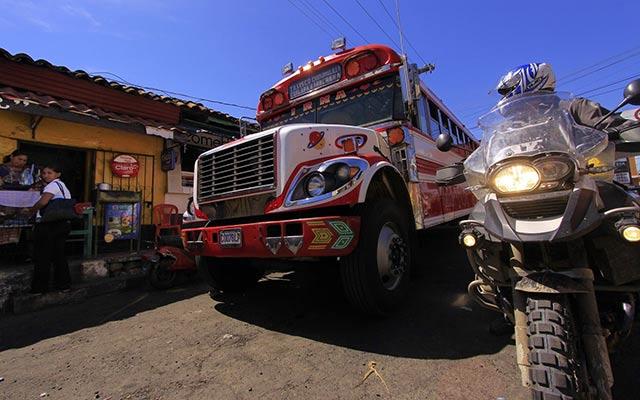 Votre moto bmw lors de votre voyage au guatemala avec PLanet Ride