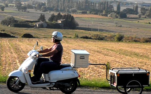 Votyage sur les routes de la Provence en scooter avec Planet Ride