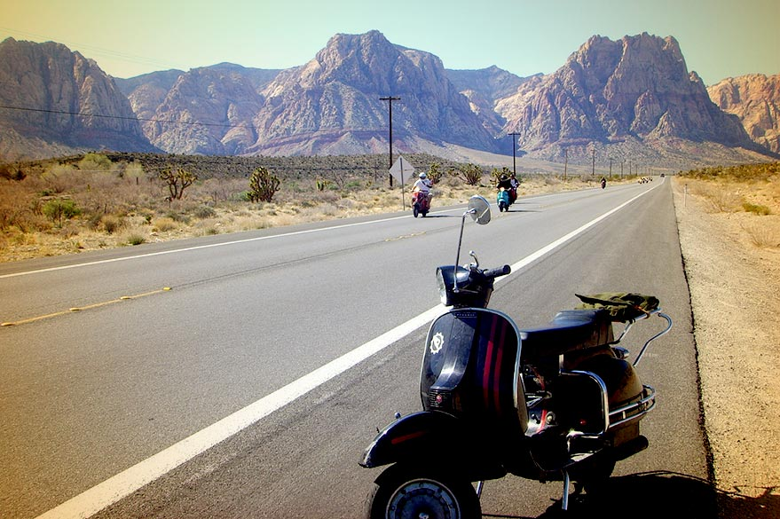 The Vespa on the roads of the world with Planet Ride