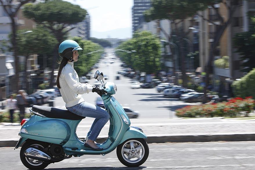 Vespa véhicule mythique de voyage avec Planet Ride