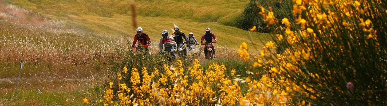 Votre voyage moto enduro en toscane Italie avec Planet Ride
