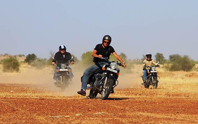 rajasthan en moto en inde