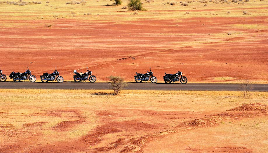 Voyage au Rajasthan moto Planet Ride desert orange