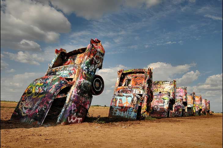 Voyage aux Etats-Unis sur la route 66 cadillac ranch avec Planet Ride