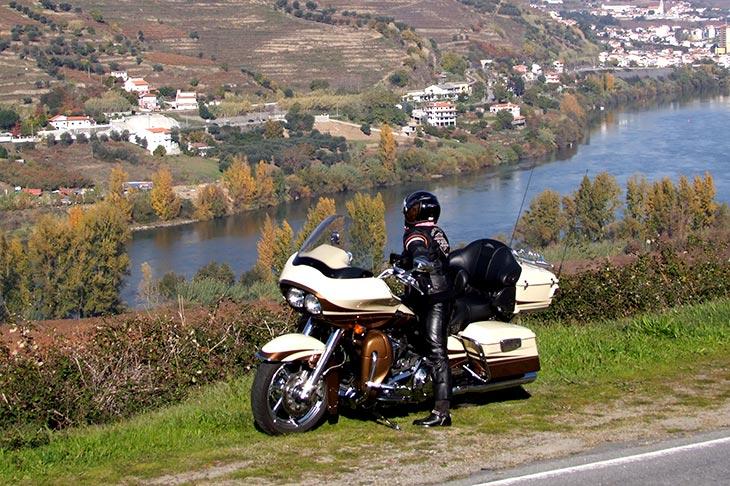 Voyage à moto au Portugal en Harley avec Planet Ride