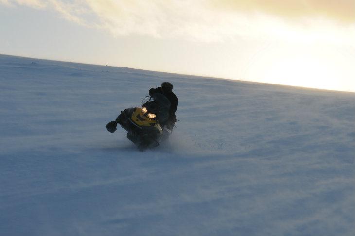 Raid motoneige Laponie Pilotage Planet Ride