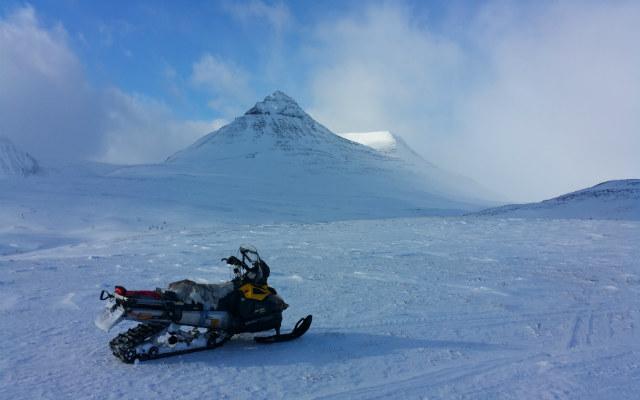 Voyage motoneige Laponie engin