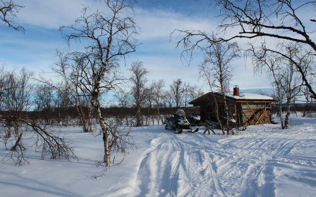 Laponie en raid motoneige avec Planet Ride