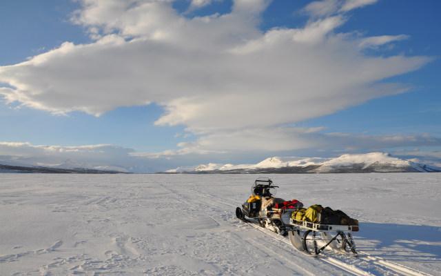 raid motoneige laponie Lac de Kilpissjarvi avec Planet Ride