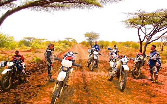 Vos motos lors de votre voyage a moto enduro avec fred au Kenya Planet Ride