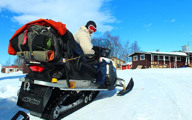 Raid motoneige en Laponie - pret pour 6 jours de raid motoneige