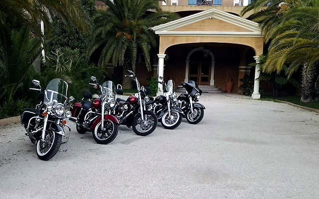 vos motos lors de voyage au portugal en Harley avec Planet Ride