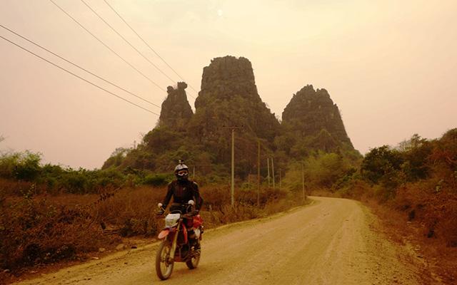 Voyage au Laos à moto avec une agence de voyage locale