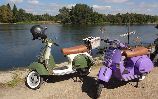Road trip in France: Val de Loire on Vintage Scooter