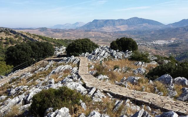 Voyage en Espagne en véhicule mythique avec une agence de voyage locale