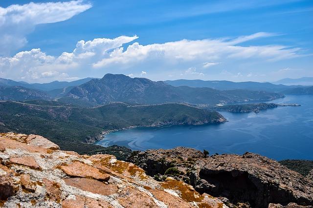 Voyage en Corse en Cmaping-car avec Planet Ride