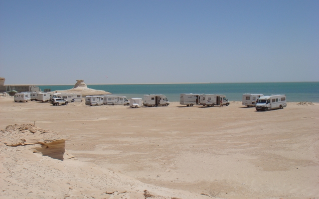 planet-ride-voyage-mauritanie-camping-car-mer-dune-véhicules