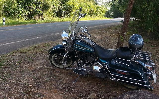 planet-ride-voyage-moto-thailande-harley-arret