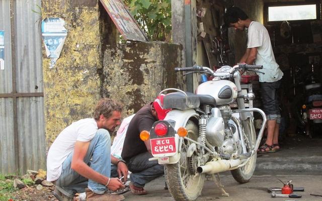 Voyage moto au Nepal, Mustang : votre royal Enfield