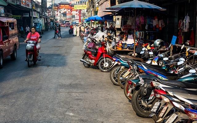 planet-ride-voyage-thailande-moto-chiangmai-marché-warorot