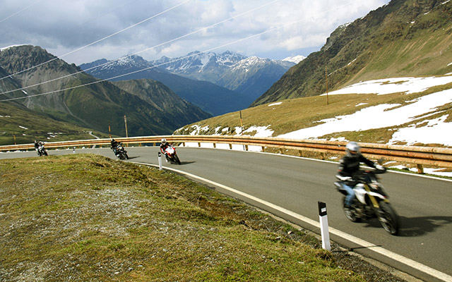 Planet Ride : Motorcycle tours in Italy