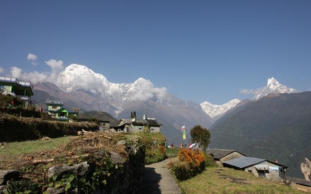 Voyage moto au Nepal : le Mustang en Royal Enfield