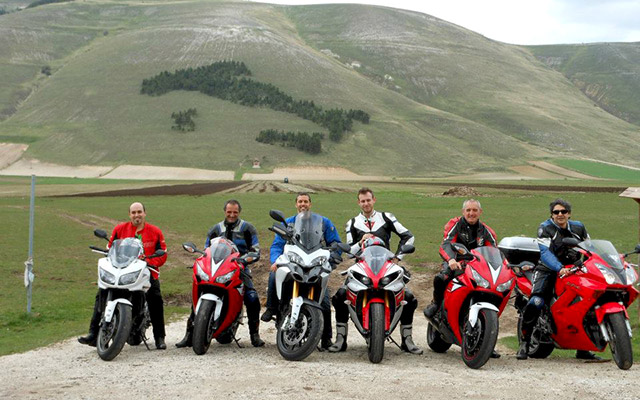 planet ride road trip moto italie centrale