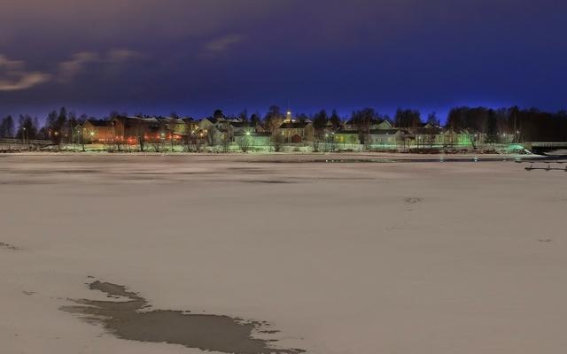 planet-ride-voyage-finlande-motoneige-1-lac-soiree-crepuscule