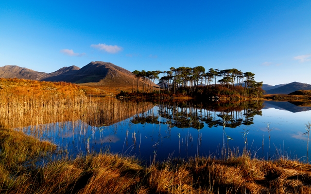 Derryclare Lake, Connemara, Co. Galway.