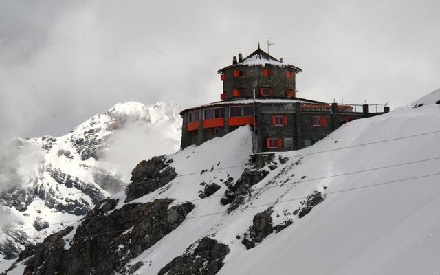 planet-ride-voyage-italie-moto-3-station-ski