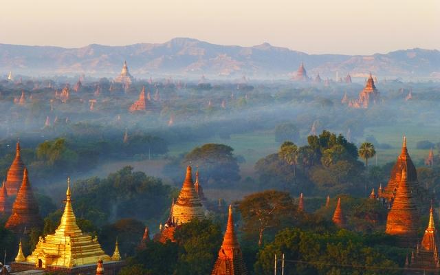 planet-ride-voyage-scooter-birmanie-architecture-scénique-coucher-soleil-pagodes