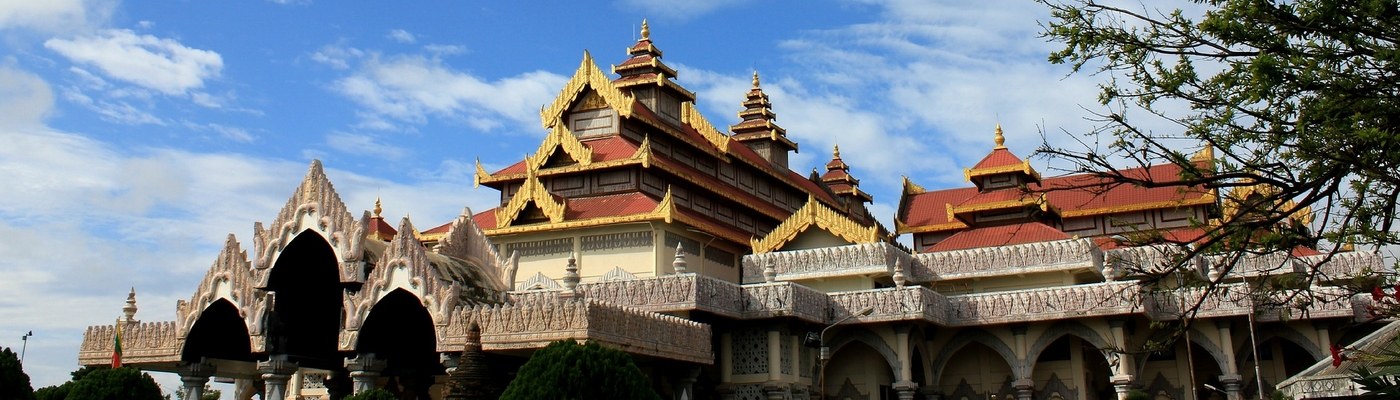 planet-ride-voyage-scooter-birmanie-bagan-musée-architecture