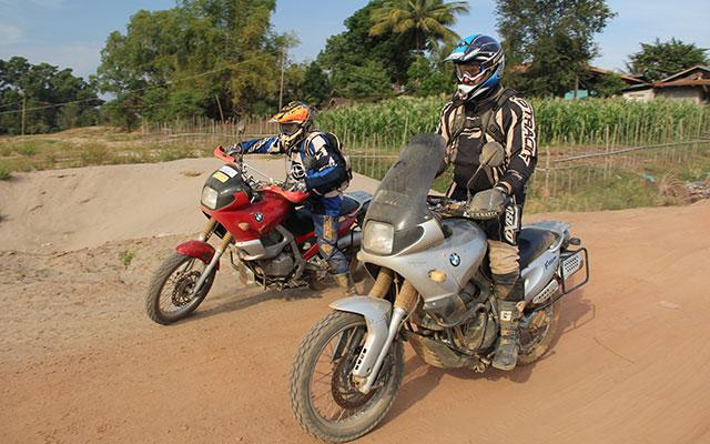 planet ride moto cambodge road trip