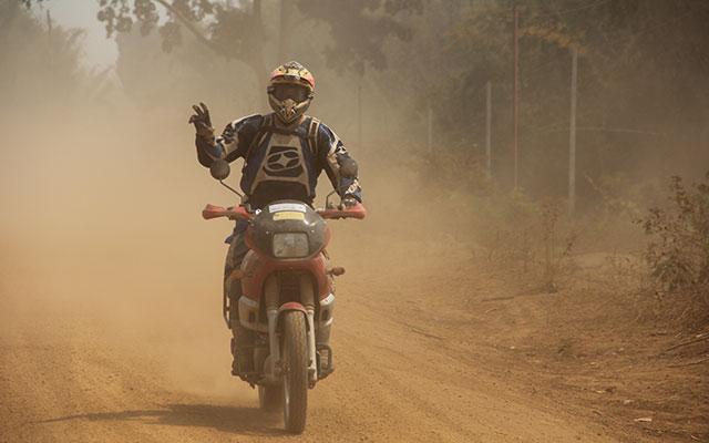 planet ride moto piste cambodge