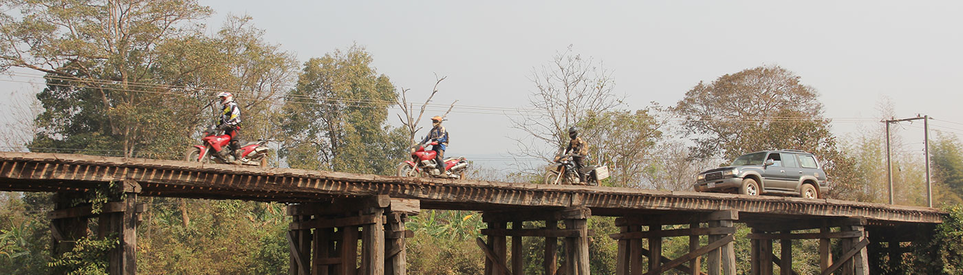 planet-ride-road-trip-cambodge-moto-pont