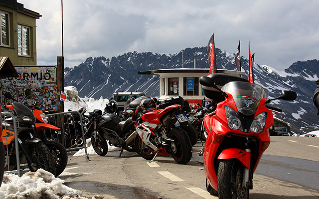 planet ride alpes motos