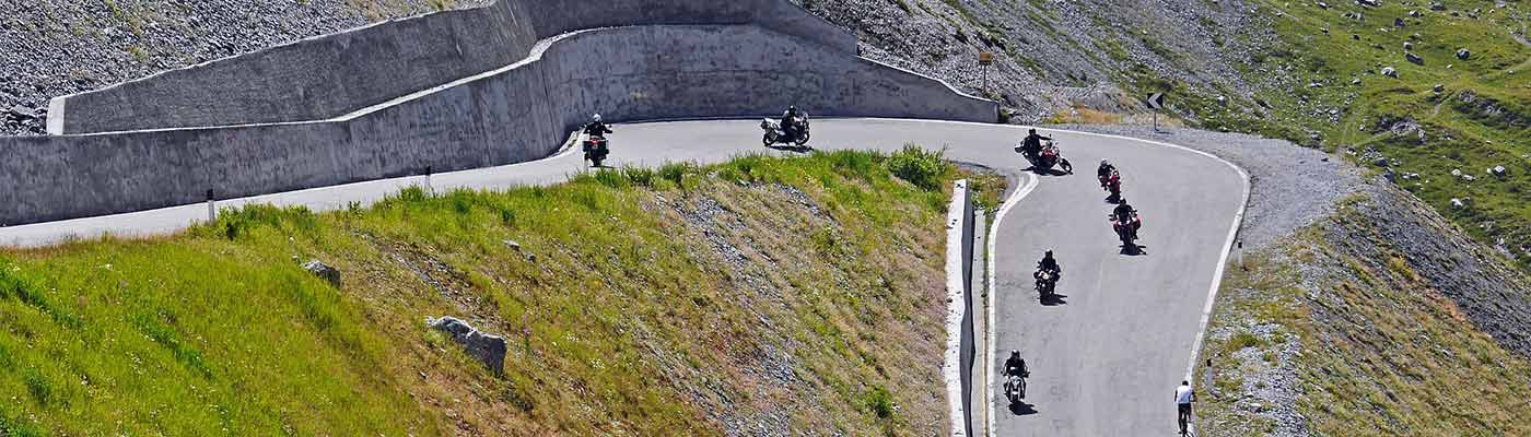 planet-ride-italie-col-moto