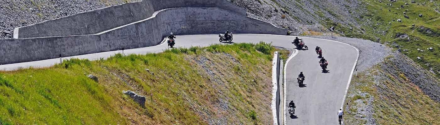 planet-ride-italie-col-moto