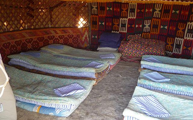 planet ride sejour ouzbekistan interieur yourte