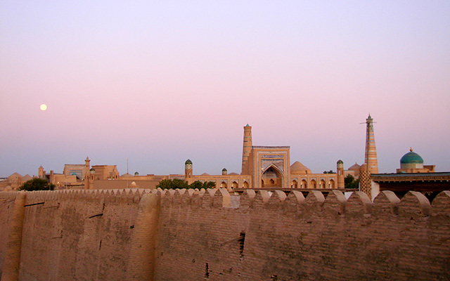 Voyage en Ouzbékistan en 4x4 avec une agence de voyage locale