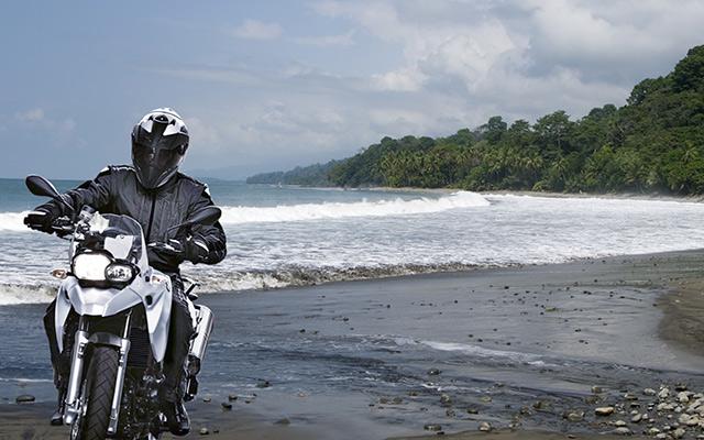 plage road trip costa rica moto planet ride