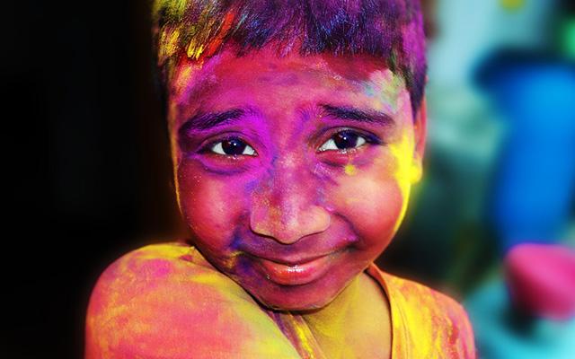 voyage inde holi color